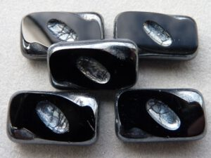 0010086 Jet Hematite Table cut 3 Pc.-0