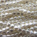 0140013 White Glass Pearl Heart 6 x 6 x 4 mm. 40 Pc.-0