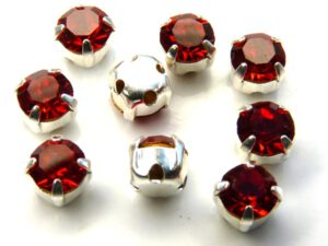 MCC-SS20-SLV-90070 MC-Chatons Siam-Red in Silver Setting 10 Pc.-0