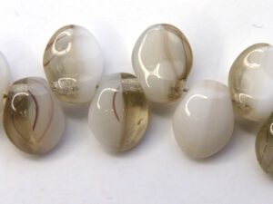 0140063 White/Black Diamond Melee Tulip Petal ( Short Daggerbead) 35 Pc.-0