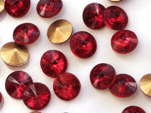 RIV-08-90070 Light Siam Ruby Gold Foiled Rivoli 8 mm. 6 Pc.-0