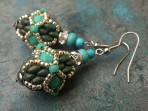 Stained Glass Earrings, gratis bij Superduo's-0