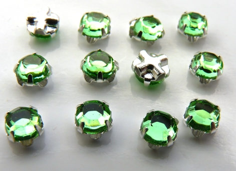 SS20-50520-Silver Extra Chaton Rose Montees Peridot Silver 15 Pc.-0