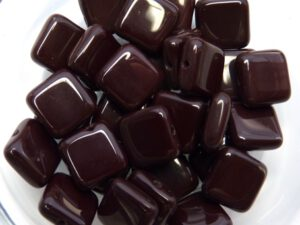 0030005 Opaque Oxblood Square 30 Pc.-0