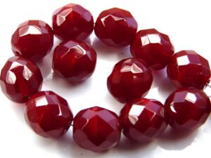 0050230 Milky Oxblood Red Facet 10 mm. 10 Pc.-0
