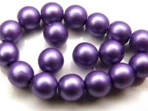 0080266 Metallic Suede Purple round 8 mm. 18 Pc.-0
