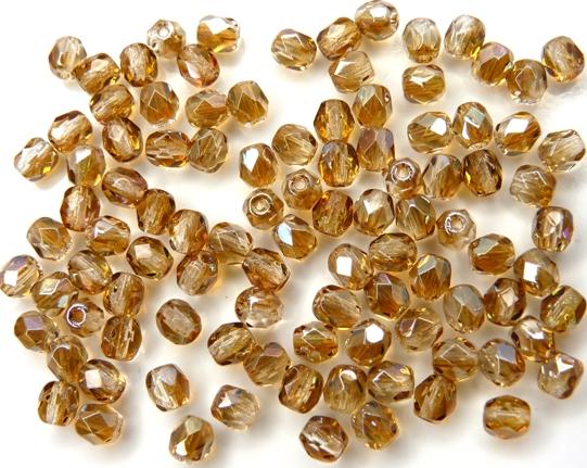 0030243 Crystal met Celsian facet 4 mm.-0