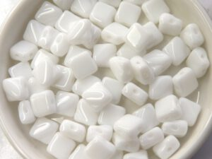SL-03000 Silky Bead Chalk White 30 Pc.-0