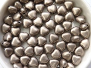 0020079 Silky Coco/Silver Heart Bead. 30 Pc.-0