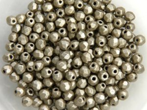0020286 Metallic Suede Silver Grey facet 3 mm. 50 Pc.-0