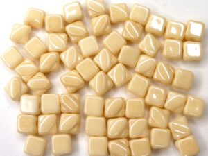 SL-03000-14413 Silky Bead Chalk White Champagne Luster 30 Pc.-0
