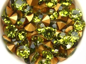 SS39-MCC-50230-98521 Olivine Gold Foiled Chaton 8 mm. 12 Pc.-0
