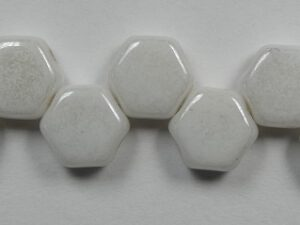 HON-03000-14400, Chalk White Luster Honeycomb Beads, 30 stuks-0
