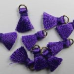 TSR-VIO tassel, mini kwastje met ringetje 1 cm violet