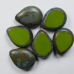 0100549 polished drops 16×12 mm opaque olive picasso, color 53420T