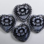 0020311 hearts with flower beads snow white black washed color 02020-46441