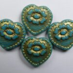 0100556 hearts with flower beads persian turquoise gold washed color 63140-54302